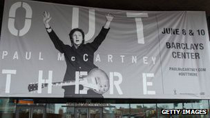 afiche de la gira de McCartney