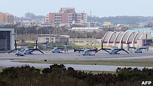 冲绳普天间美军基地内的鱼鹰旋翼机(资料图片)