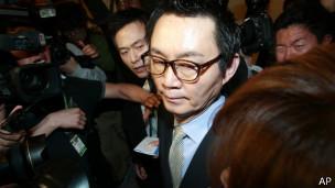 韓國前總統府發言人尹昶重(11/05/2013)