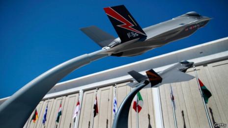 Mô hình máy bay F35 giao cho Anh