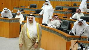 عالمي المحكمة الدستورية الكويت تأمر البرلمان وبإجراء انتخاب 130515074508_kuwait_
