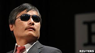 陈光诚在美国出席演讲会(3/5/2013)