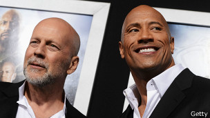 Bruce Willis y Dwayne Johnson