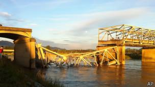 Cầu qua sông Skagit