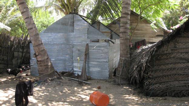 Fishermen's huts in Dedegeway island