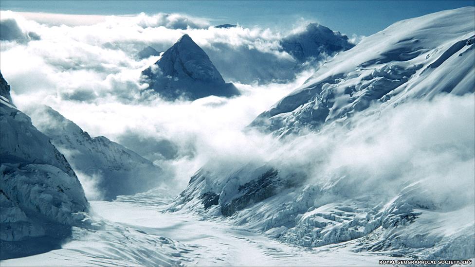 قمم وسلاسل جبلية 130528145712_s0001046