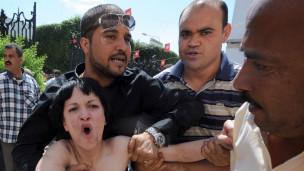 Kelompok Femen di Tunisia