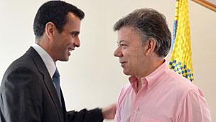 Capriles junto a Santos