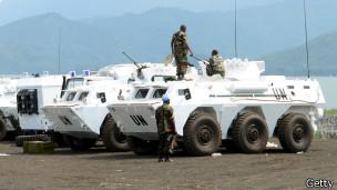 Blindados e miliares da ONU em Goma (foto: Getty Images)