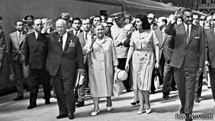 Никита Хрущев с женой в Египте