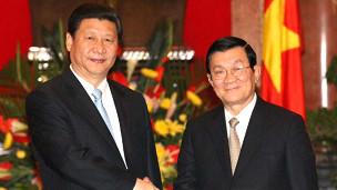 Hai ông Tập Cận Bình và Trương Tấn Sang trong chuyến thăm của ông Tập tới Việt Nam
