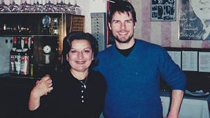 La dueña del Carlitos Gardel con Tom Cruise