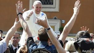 Papa Francisco con motociclistas