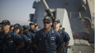 ������ ���� ���� ������ ������ 130621234940_s_navy_sailors_stand_in_formation_aboard_the_uss_stockdale_before_maneuvers_with_the_jordanian_navy_in_the_gulf_of_aqaba_304x171_ap_nocredit.jpg