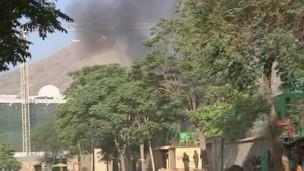 Дым над президентским дворцом height=171