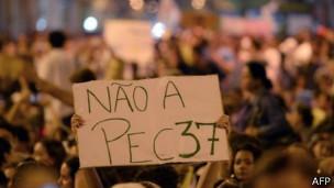 Una pancarta que dice No al PEC37