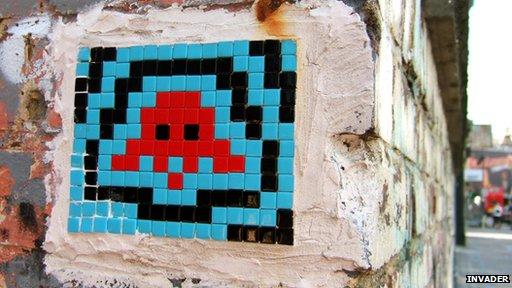 Obra de Invader, artista callejero