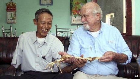 एनगुएन कांग हुंग और सैम एक्सलराड