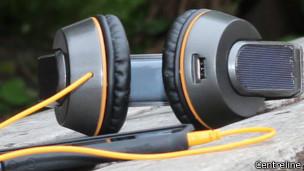 OnBeat audífonos solares para cargar celulares