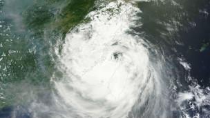 """""""苏力""""台风卫星云图"""