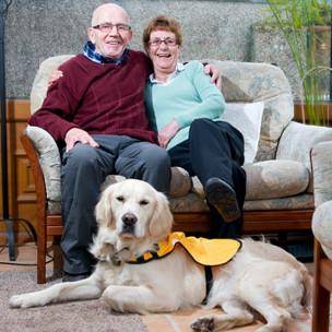 Perros guía para ayudar a personas mayores con demencia y Alzheimer