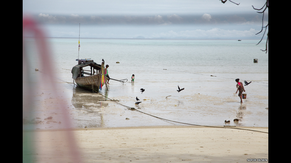 Bote en la costa