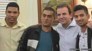 Denis Neves (à esq.) em reunião com Eduardo Paes