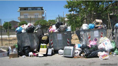 Lixo em Monasterace (crédito: Andrea Pupetti)