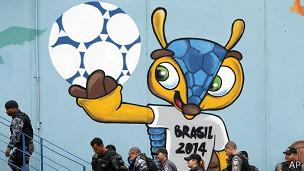 130719203625 2014 football world cup mascot 304x171 ap Venden un millón de entradas Mundial Fútbol 2014 en 7 horas [Brasil]