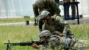 Súng máy M60 dùng trong tập trận chung giữa Hoa Kỳ và Philippines