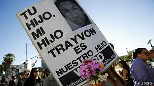 Cartel de Trayvon Martin en una manifestación