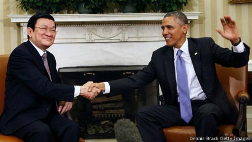 Chủ tịch Trương Tấn Sang và ông Barack Obama ở Nhà Trắng hôm 25/7