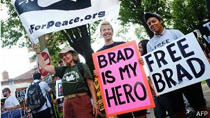 manifestantes Manning