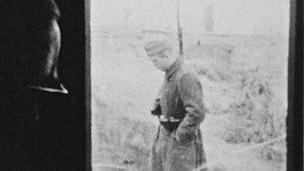Filmación realizada por presos franceses en el campo 17A Oflag
