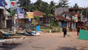 Sri Lanka troops in Weliweriya a day after the shooting