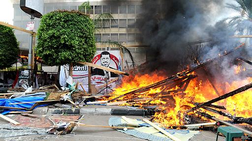 اخبار مصر 14-8-2013 فض الاعتصام في النهضة ورابعة العدوية - الصفحة العربية