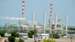 لاندبندنت: ليبيا تتقدم .. لكن نحو الهاوية 130816022220_libya_oil_port_304x171_._nocredit