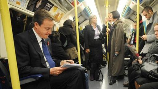英国首相坐地铁却无人让座位?! - 大漠胡杨 - 大漠胡杨的博客