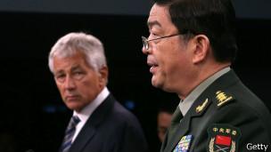 Hagel y el ministro chino de defensa nacional