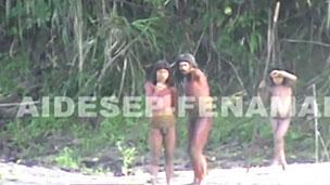 Índios da tribo Mashco-Piro (BBC)