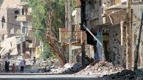 Разрушения в городе Дейр Зор