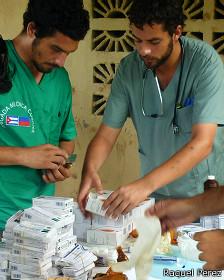 Médicos cubanos. (Foto: Raquel Pérez)