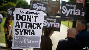 manifestantes contra le guerra en Siria en Londres
