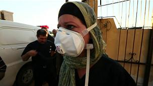 Médica britânica assiste vítimas em ataque em Aleppo, na Síria