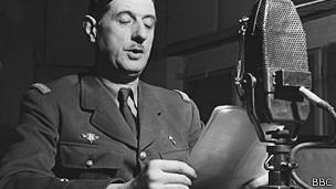 General Charles De Gaulle habla a la resistencia francesa desde la BBC