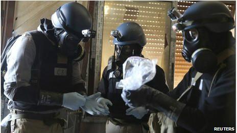النظام السوري يسعى لتجنب الضربة 130909164023_un_chemical_weapons_experts_464x261_reuters_nocredit.jpg