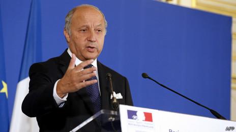 França prepara resolução com ameaça para Síria entregar armas químicas