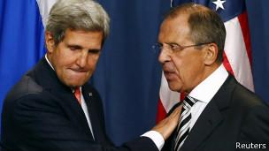 Ngoại trưởng Mỹ John Kerry và Ngoại trưởng Nga Sergei Lavrov