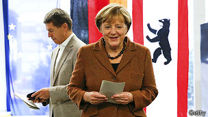 Angela Merkel tras votar en las parlamentarias de Alemania