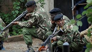 Soldados de Kenia durante operativo en centro comercial